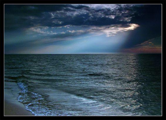 Изгреви и залези: На плажа