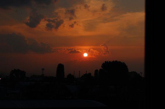 Изгреви и залези: Sunset over Sofia